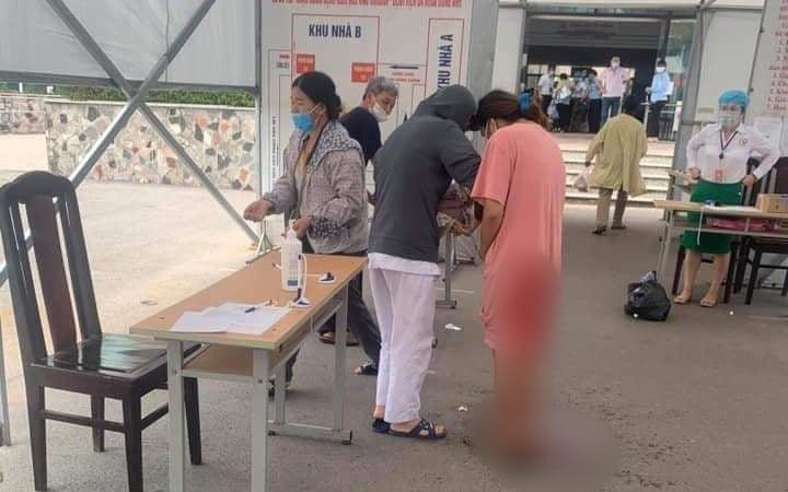 Hà Nội: Đang khai báo y tế, sản phụ trẻ chuyển dạ sinh con ngay tại chốt