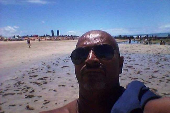 Mất tỉnh táo vì uống rượu, người đàn ông gặp họa mất mạng dưới biển, để lại cảnh tượng thê thảm trên bờ cát - Ảnh 2.