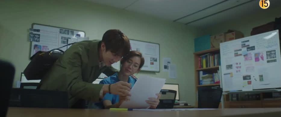 Preview Hospital Playlist 2 tập 6: Hội F5 nhớ lại ngày thực tập, Song Hwa úp mở quá khứ đen tối còn Jun Wan vẫn trầm uất vì tình yêu - Ảnh 6.
