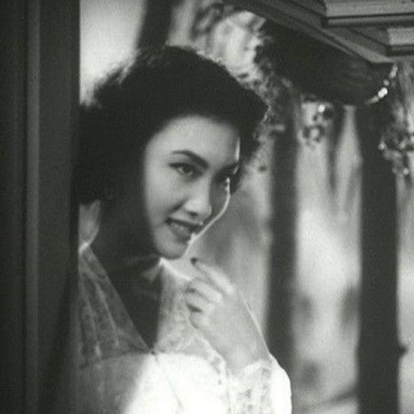 Nguyên mẫu Tiểu Long Nữ ngoài đời thật - nàng thơ của Kim Dung với nhan sắc rung động lòng người và mối tình đơn phương mãi tiếc nuối - ảnh 10
