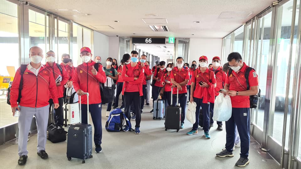 Đoàn thể thao Việt Nam đã tới Tokyo an toàn, tiến hành kiểm tra y tế trước khi nhập làng VĐV - Ảnh 2.