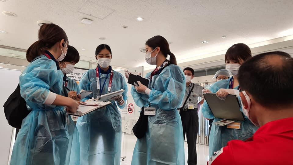 Đoàn thể thao Việt Nam đã tới Tokyo an toàn, tiến hành kiểm tra y tế trước khi nhập làng VĐV - Ảnh 6.