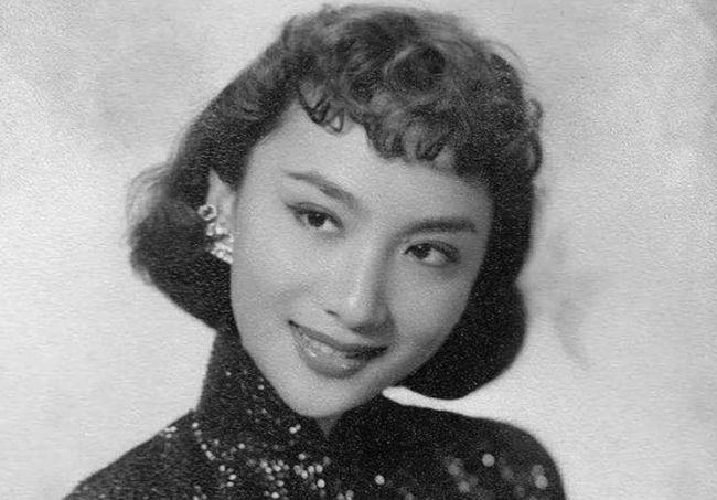 Nguyên mẫu Tiểu Long Nữ ngoài đời thật - nàng thơ của Kim Dung với nhan sắc rung động lòng người và mối tình đơn phương mãi tiếc nuối - ảnh 1
