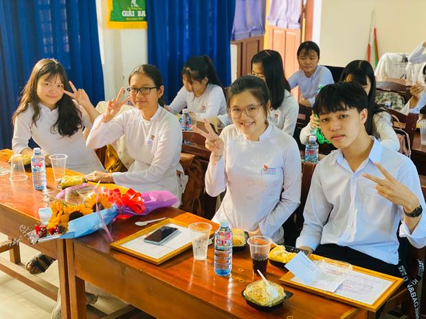 Nam sinh Quảng Nam viết gì trong bài thi Văn tốt nghiệp mà được chấm trên cả 10 điểm? - Ảnh 3.