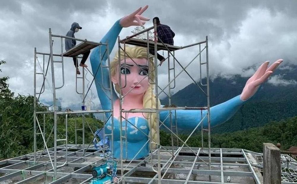 Tượng Elsa phiên bản quái dị ở Sa Pa đã bị yêu cầu tháo dỡ, sẽ cưỡng chế nếu không chấp hành - Ảnh 2.