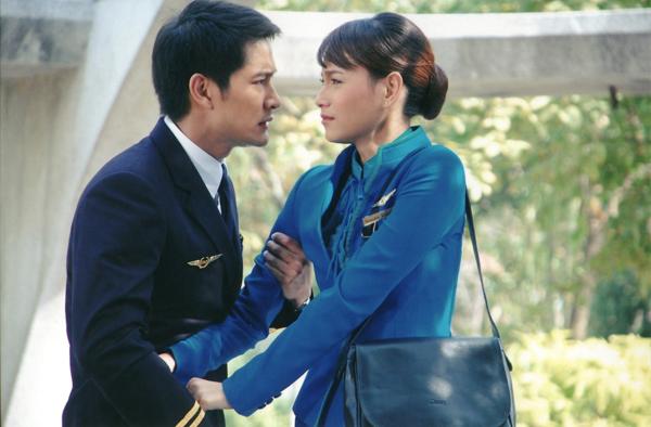 Cơ trưởng trẻ nhất Việt Nam đáp trả thế nào khi được hỏi làm nghề tiếp viên hàng không thì dễ ngoại tình? - ảnh 3