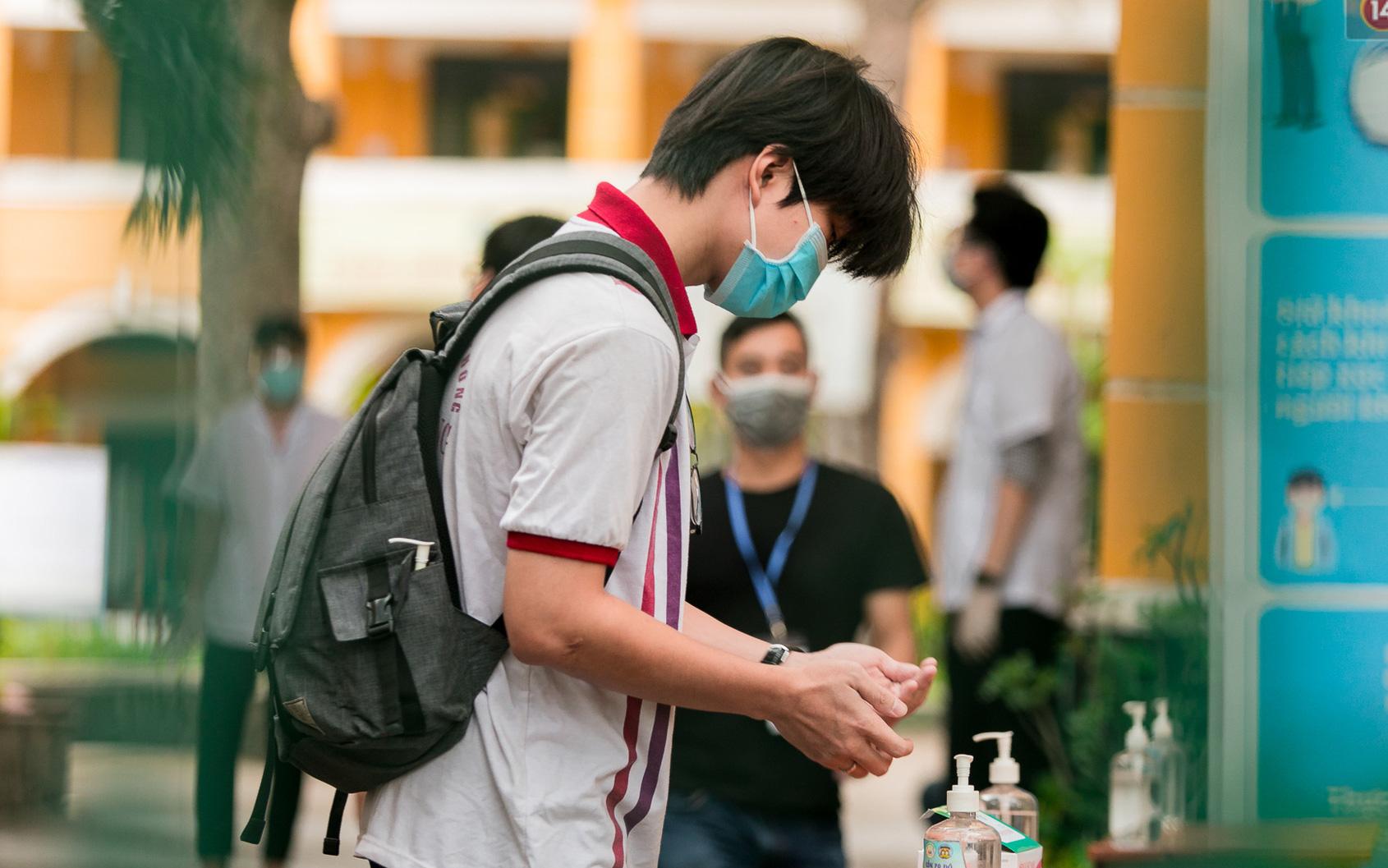 Sở GD&ĐT TP.HCM đề xuất đặc cách tốt nghiệp cho toàn bộ thí sinh thi đợt 2 vì khó tổ chức thi