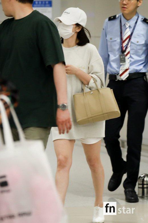 Bóc mẽ Song Hye Kyo: Ảnh thời trang khác hẳn đời thực với chiều cao gây lú, nhìn đôi chân mà haizzz - ảnh 19