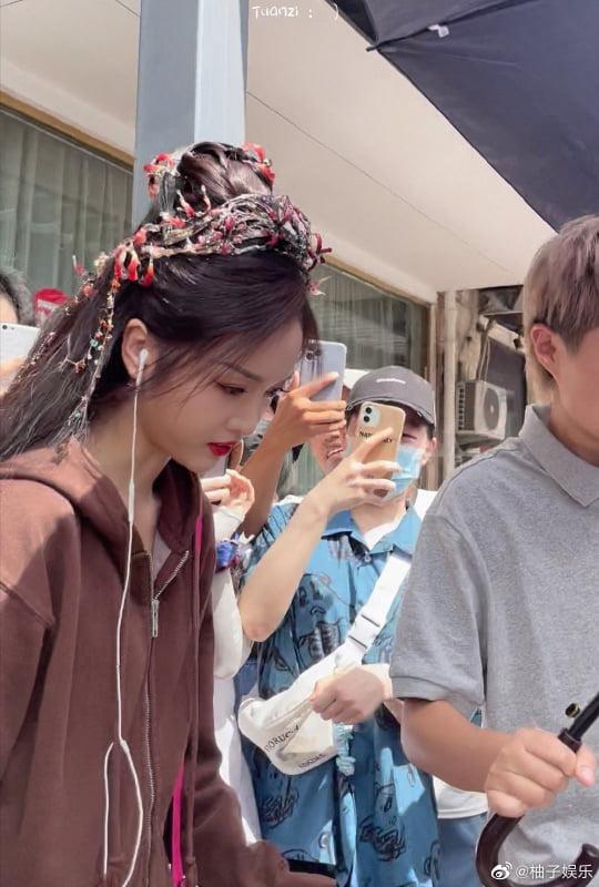 Ngô Tuyên Nghi xinh ơi là xinh ở phim mới, netizen buông lời: Ngắm thôi chứ phát ngôn sảng lắm! - ảnh 1