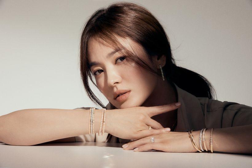 Song Hye Kyo tái hợp đạo diễn Hậu Duệ Mặt Trời, liên tục nhận 3 phim, comeback cực mạnh luôn? - Ảnh 1.