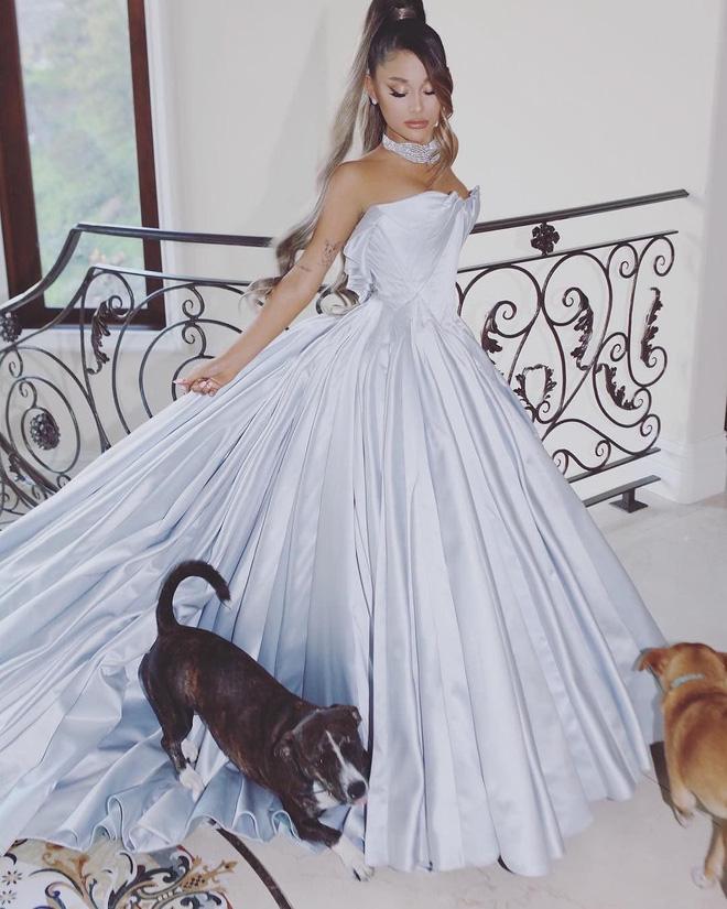 Ariana Grande và những outfit công chúa đỉnh của chóp, có set nhẩm tính sơ qua đã lên đến 243 tỷ đồng - ảnh 5