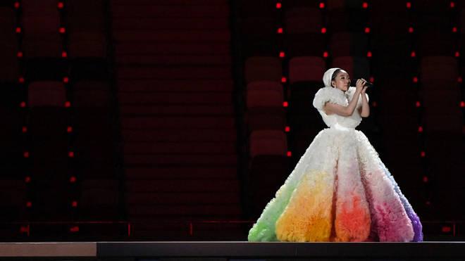 Khoảnh khắc kinh diễm: Lễ khai mạc Tokyo Olympic 2021 gọi tên ca sĩ Misia và chiếc váy bồng bềnh, mềm mại tựa như mây - ảnh 3