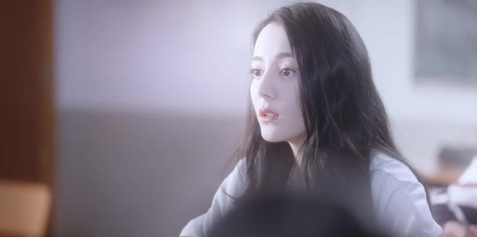 Đề thi hóc búa vô lý khiến netizen khóc thét ở Em Là Niềm Kiêu Hãnh Của Anh: Một trái dâu bằng mấy calo? - Ảnh 1.