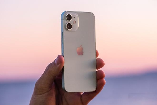 Apple chỉ người dùng cách vệ sinh các sản phẩm công nghệ sao cho đúng chuẩn Táo - ảnh 2