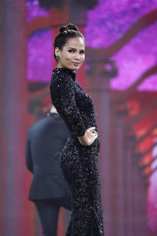 Hiếm có trong showbiz: Có 1 người đẹp vừa là thủ khoa Ngoại thương, vừa là top 5 Hoa hậu Hoàn vũ VN! - ảnh 5