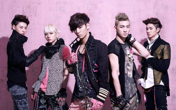 Chỉ 5 nhóm Kpop trong 25 năm qua gia hạn hợp đồng mà đội hình vẫn nguyên vẹn: BTS không bất ngờ bằng 1 nhóm 13 người - Ảnh 6.
