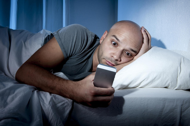 7+ tác hại của điện thoại thông minh đối với sức khỏe con người - ảnh 3