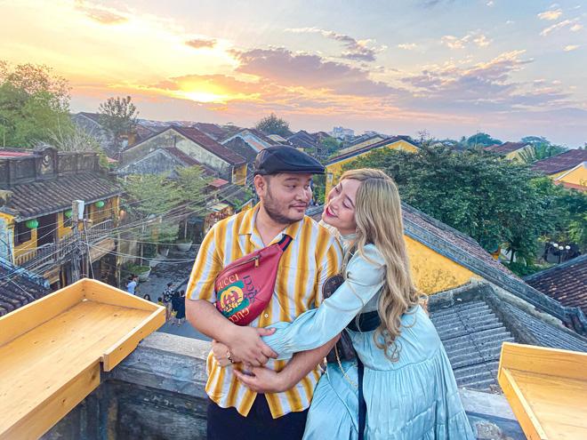 Lộ ảnh Lương Minh Trang ôm hôn tình tứ bên trai lạ hậu ly hôn Vinh Râu, ai đây ai đây? - ảnh 5