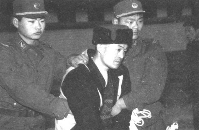 """""""Con quỷ điên loạn"""" - sát nhân bệnh hoạn nhất Trung Quốc: Bị cái nghèo vùi dập tài năng, nhân cách biến dạng từ sự căm phẫn đối với xã hội - ảnh 1"""