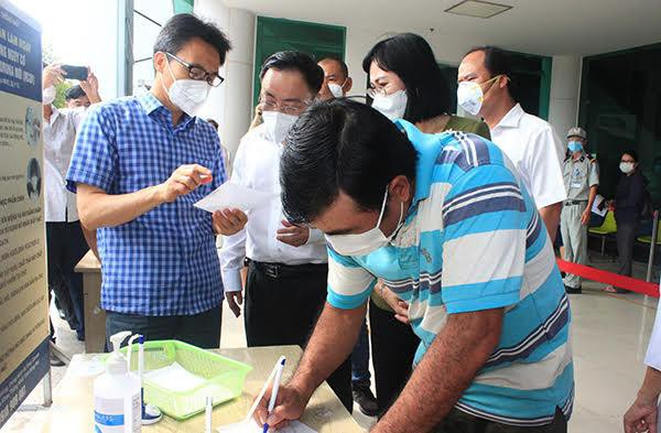 Phát hiện 57 ca dương tính với SARS-CoV-2 tại một doanh nghiệp sản xuất 3 tại chỗ - ảnh 1