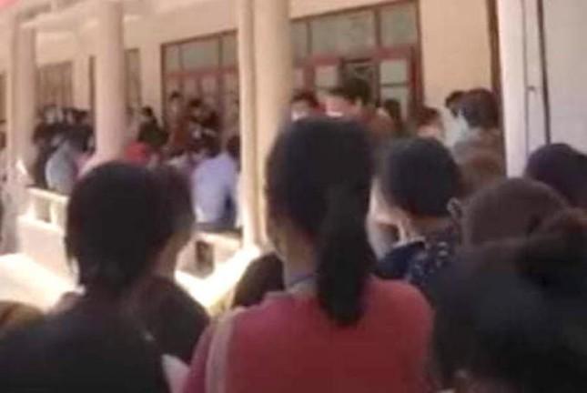Thực hư thông tin Đại học Vinh tổ chức cho hàng trăm học sinh thi giữa mùa dịch - ảnh 2