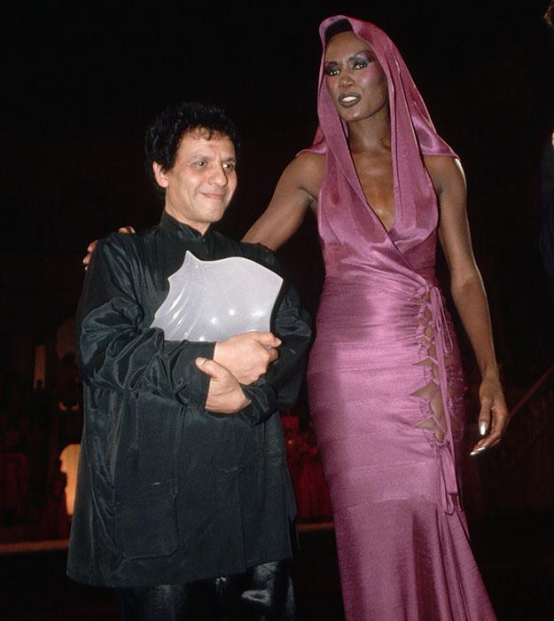 9 cặp NTK - nàng thơ nổi tiếng làng mốt: Căng nhất là màn gương vỡ lại lành sau 20 năm của Karl Lagerfeld, Audrey Hepburn thì một lòng với Givenchy - ảnh 8