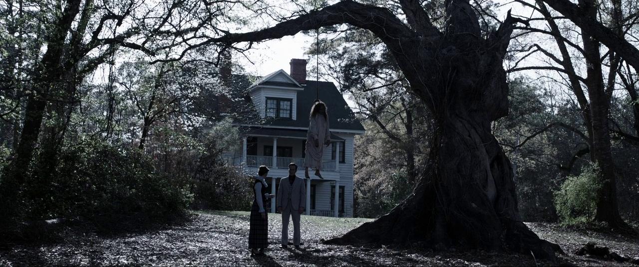 Căn nhà quỷ ám trong The Conjuring có quá khứ kinh hoàng, ekip phim tài liệu tiết lộ bị sang chấn tâm lý vì gặp ma thật sự - Ảnh 3.