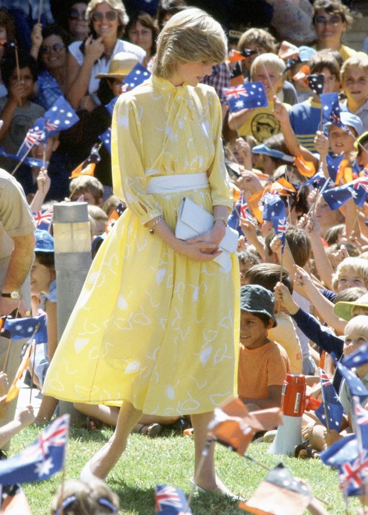 Điểm lại 7 bộ váy hè kiều diễm, thanh lịch nhất của công nương Diana do chính Vogue bình chọn - Ảnh 2.