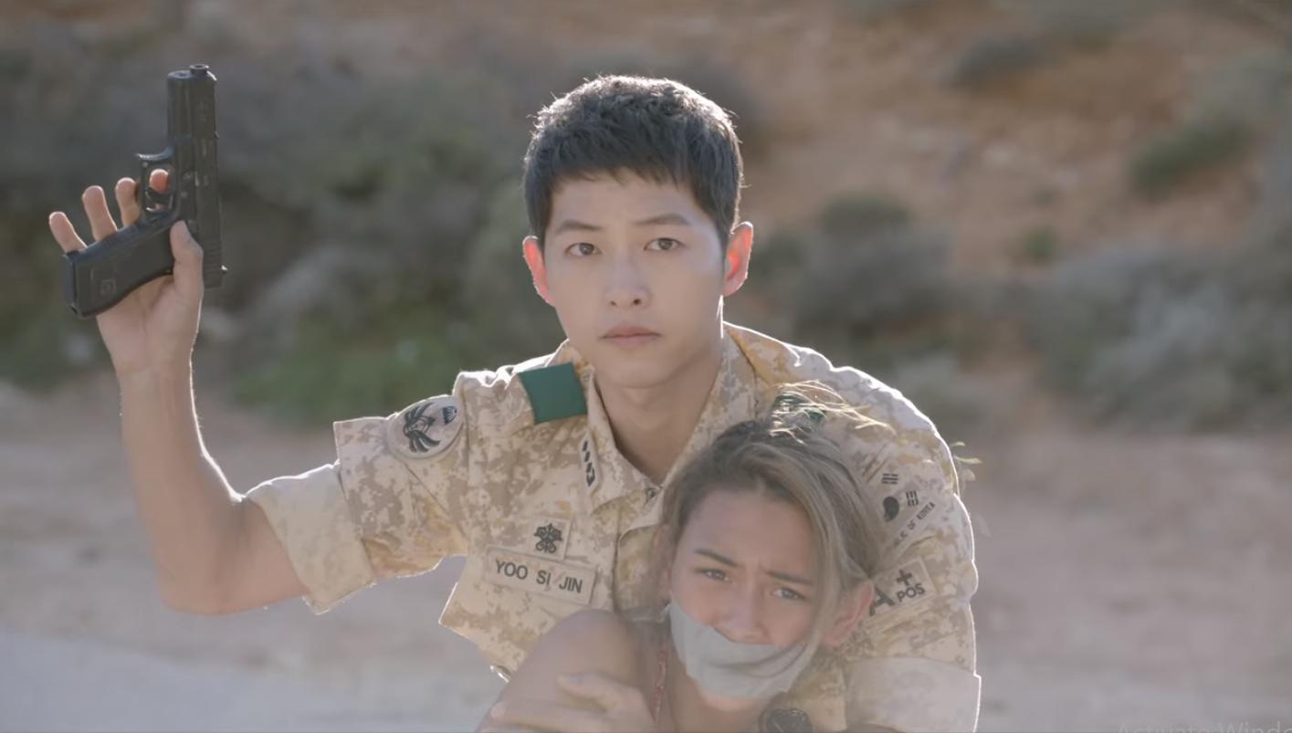 Sao Tây nhí được Song Joong Ki bảo vệ ở Hậu Duệ Mặt Trời sau 5 năm: Sexy, cá tính đến ngỡ ngàng - Ảnh 1.