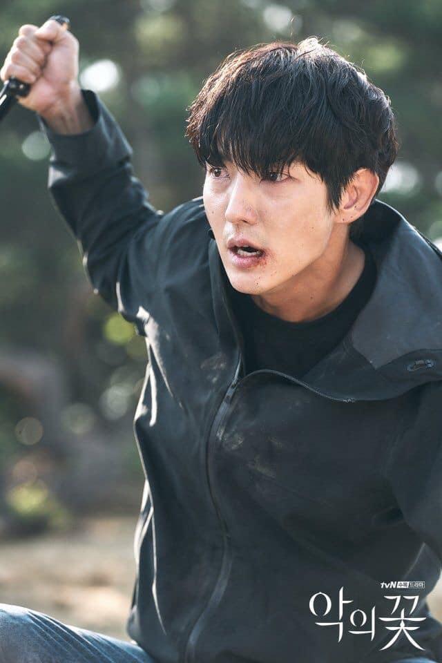 6 nam chính phim Hàn có số phận khổ hết phần thiên hạ: Song Joong Ki bị vùi dập thấy mà thương luôn á! - Ảnh 5.