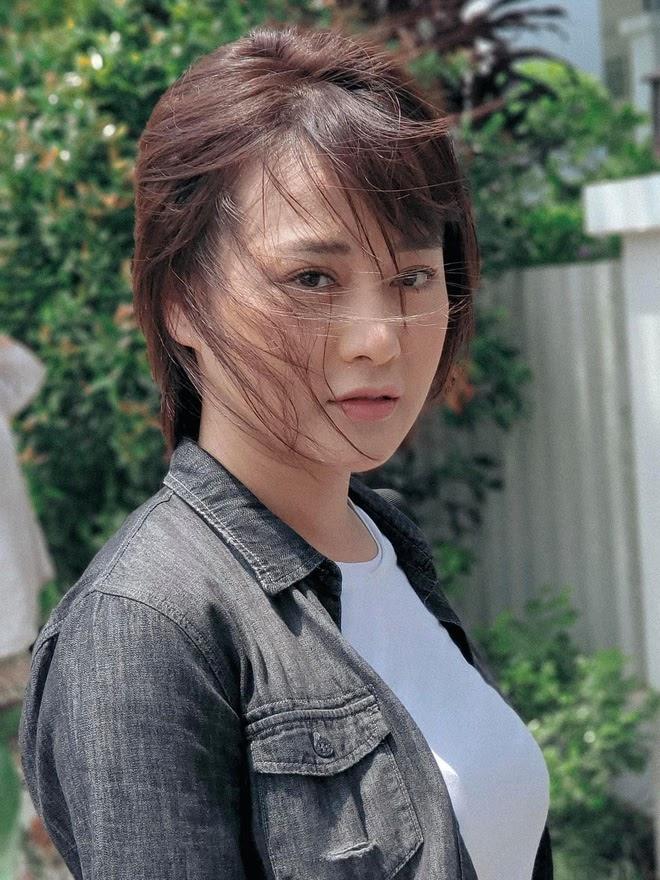 Phương Oanh (Hương Vị Tình Thân): Diễn xuất đơ cứng, tự rút khỏi VTV Awards để tránh gây tranh cãi? - ảnh 18
