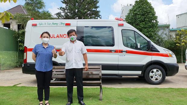 Giao xe cứu thương 2,55 tỷ cho ông Đoàn Ngọc Hải, NS Việt Hương phải lên tiếng cực căng vì bị chỉ trích nặng nề - ảnh 1