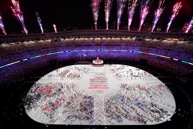 Loạt VĐV giành HCV tại Olympic Tokyo 2020 tiết lộ cùng thích nghe nhạc của 1 nghệ sĩ trước khi thi đấu, bí quyết chiến thắng đây rồi? - Ảnh 1.