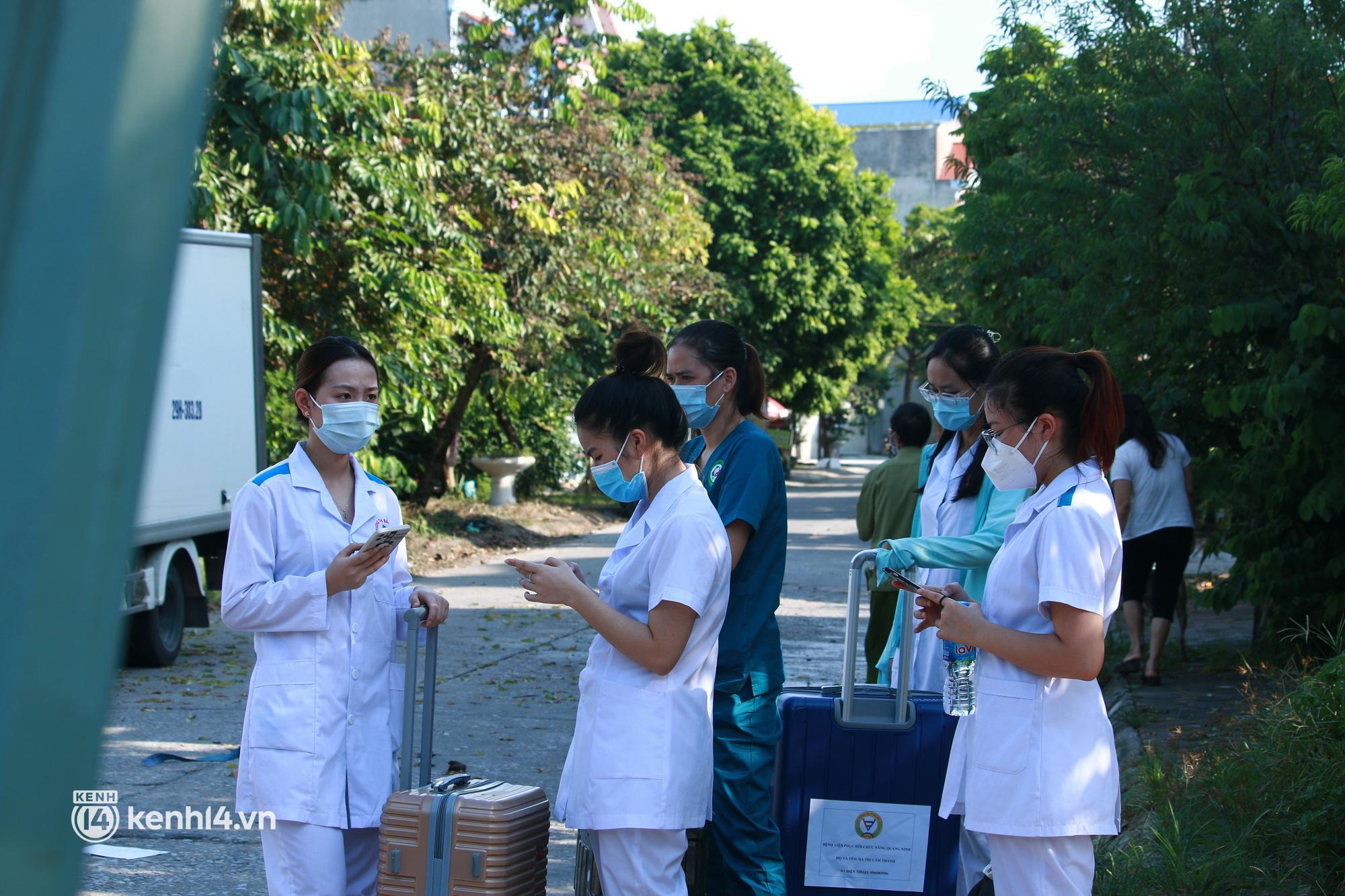Ảnh: Khẩn trương xét nghiệm hơn 9.000 dân sau khi phát hiện 5 ca mắc Covid-19 ở ngoại thành Hà Nội - Ảnh 5.