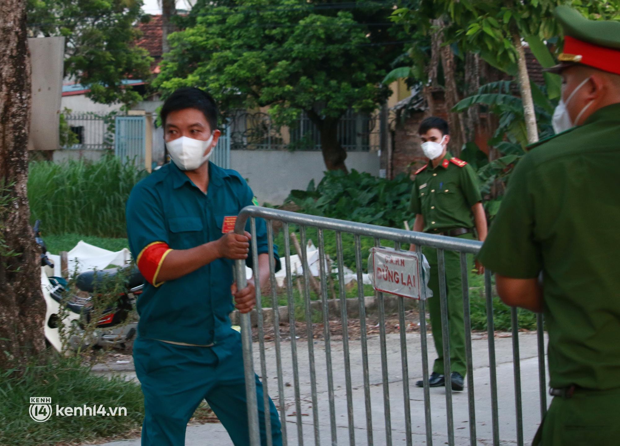 Ảnh: Khẩn trương xét nghiệm hơn 9.000 dân sau khi phát hiện 5 ca mắc Covid-19 ở ngoại thành Hà Nội - Ảnh 2.