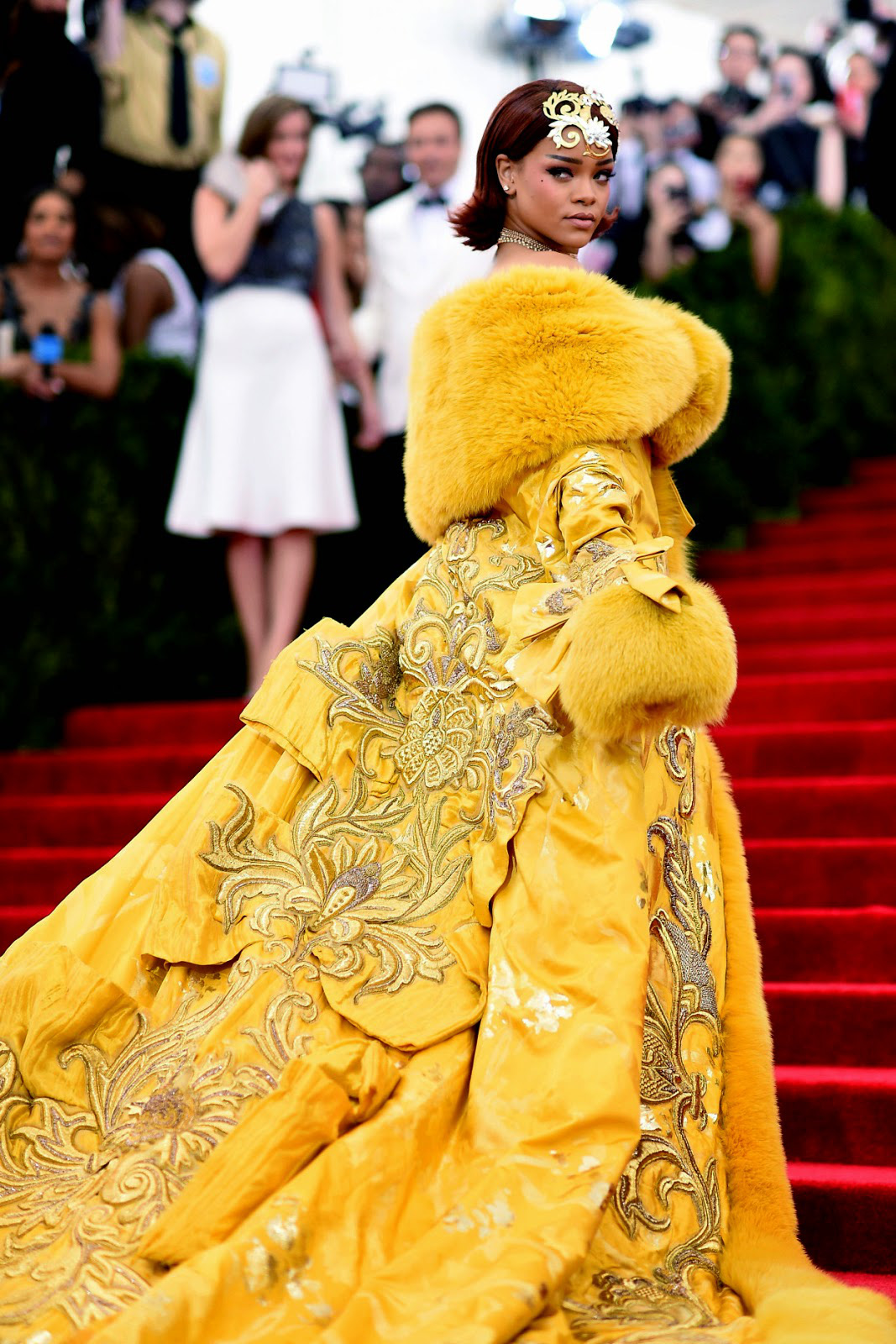 Nữ hoàng thảm đỏ Met Gala: Rihanna - Lady Gaga thi nhau combo độc - dị - lố, choáng nhất là Cardi B phô diễn body với bộ đồ 11 tỷ - Ảnh 7.