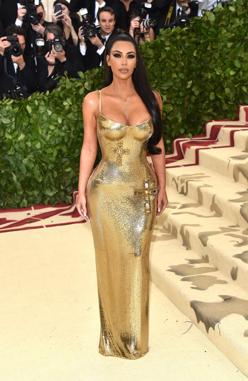 Nữ hoàng thảm đỏ Met Gala: Rihanna - Lady Gaga thi nhau combo độc - dị - lố, choáng nhất là Cardi B phô diễn body với bộ đồ 11 tỷ - Ảnh 13.