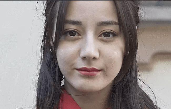 Nhiếp ảnh gia tiết lộ nhan sắc thật và làn da ở tuổi 29 của Địch Lệ Nhiệt Ba, rời xa photoshop là như thế này đây? - Ảnh 8.