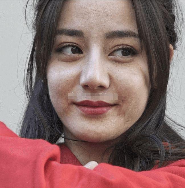 Nhiếp ảnh gia tiết lộ nhan sắc thật và làn da ở tuổi 29 của Địch Lệ Nhiệt Ba, rời xa photoshop là như thế này đây? - Ảnh 6.