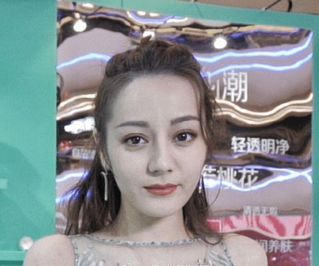 Nhiếp ảnh gia tiết lộ nhan sắc thật và làn da ở tuổi 29 của Địch Lệ Nhiệt Ba, rời xa photoshop là như thế này đây? - Ảnh 9.