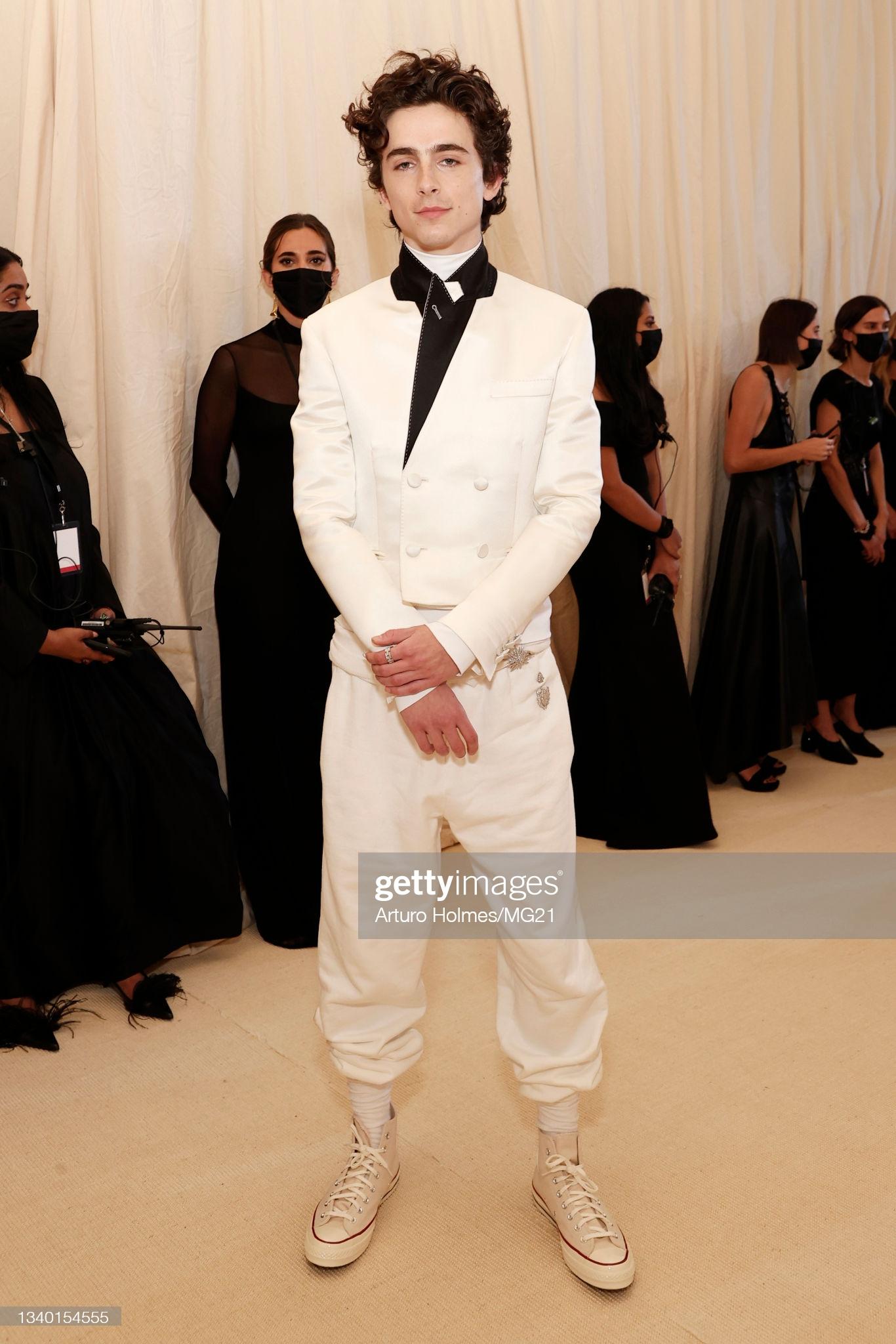 Tài tử đi Met Gala, gặp cả 3 cô bồ cũ: Hết con gái bốc lửa của Madonna đến ái nữ nhà Johnny Depp diện Chanel sặc mùi tiền - Ảnh 4.