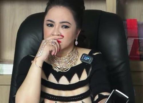 """Bà Phương Hằng tuyên bố dừng livestream sau 6 tháng """"khẩu chiến"""" và loạt nghệ sĩ Vbiz bất ngờ tuyên bố dừng việc thiện nguyện"""