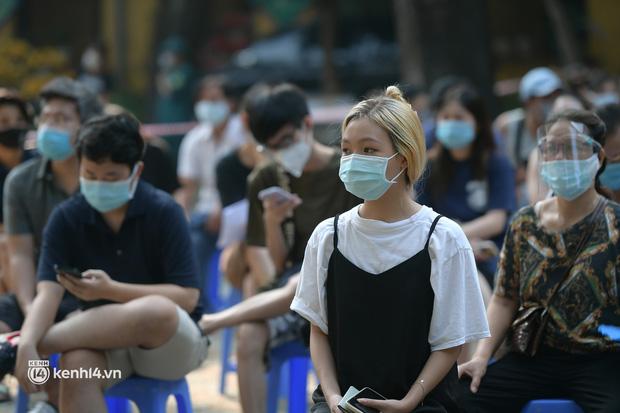 Diễn biến dịch ngày 14/9: Hà Nội lấy 2,8 triệu mẫu xét nghiệm diện rộng, phát hiện 19 ca dương tính; Khi nào người dân TP.HCM được đi chợ, siêu thị? - Ảnh 2.