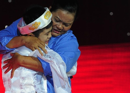 Một Quán quân The Voice Kids có mẹ làm lao công, rửa bát thuê để nuôi ăn học, đóng tiền trọ - ảnh 3