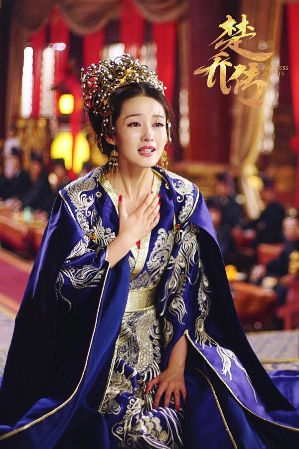 5 nàng công chúa bất hạnh nhất màn ảnh Hoa ngữ: Người mất một cánh tay, người chịu tủi nhục vì bị cưỡng bức - Ảnh 13.