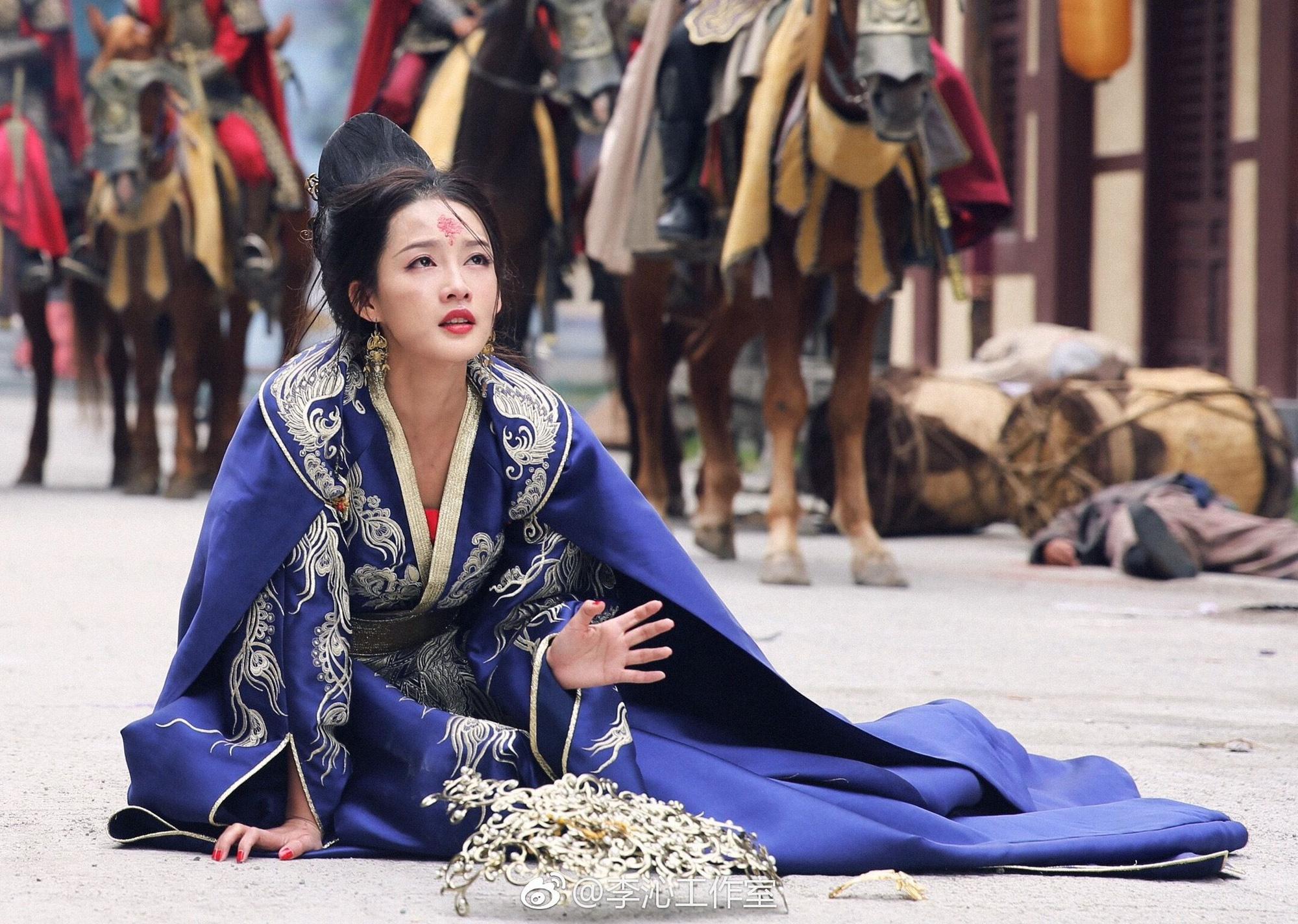 5 nàng công chúa bất hạnh nhất màn ảnh Hoa ngữ: Người mất một cánh tay, người chịu tủi nhục vì bị cưỡng bức - Ảnh 14.