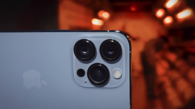 Có 47 triệu, chọn iPhone 13 Pro Max full option vừa ra mắt hay Galaxy Z Fold3 để chứng tỏ độ sang chảnh? - ảnh 2
