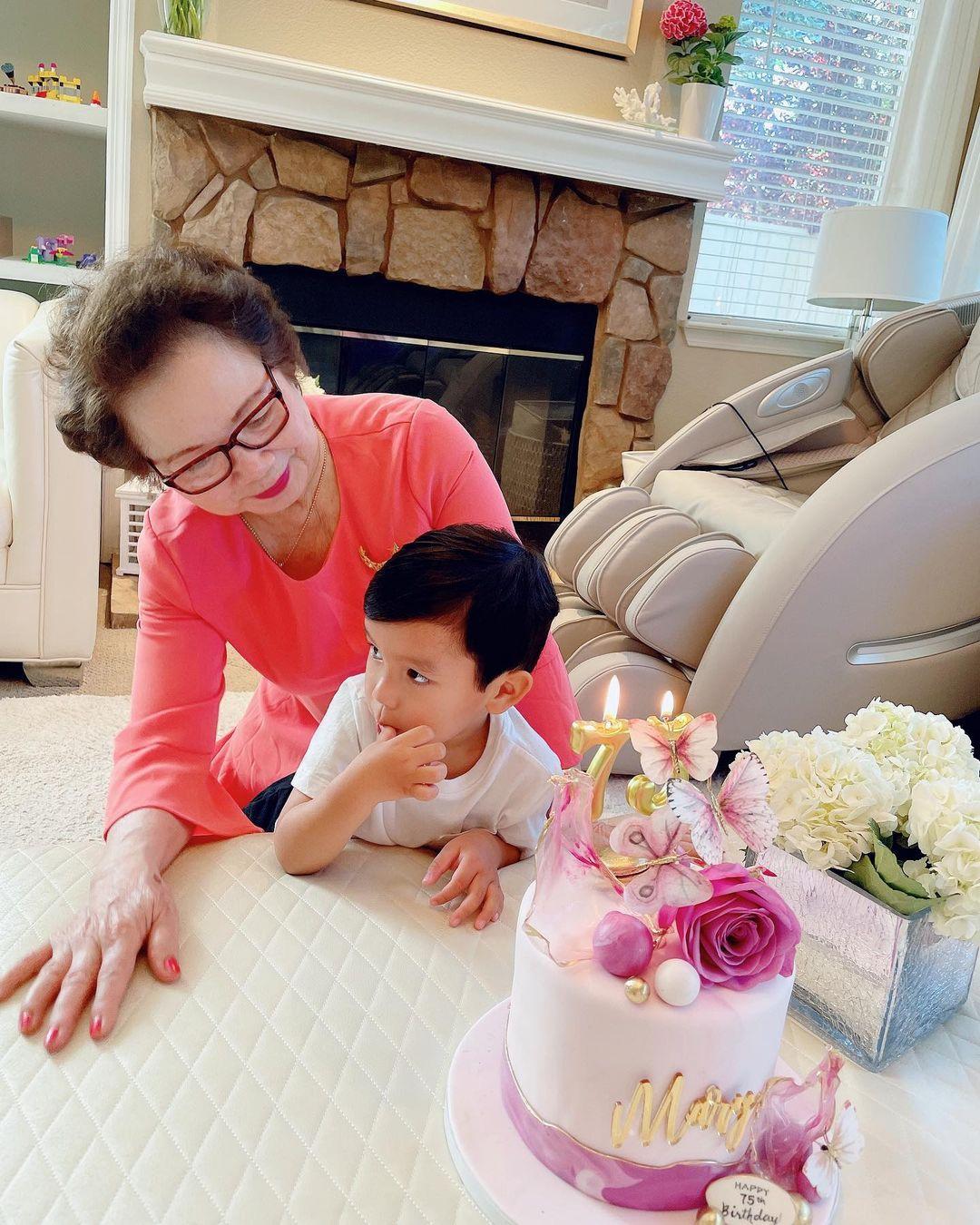 Phạm Hương lần đầu hé lộ chân dung mẹ chồng giàu có quyền lực, chỉ 1 khoảnh khắc là biết yêu chiều cháu nội cỡ nào - Ảnh 4.