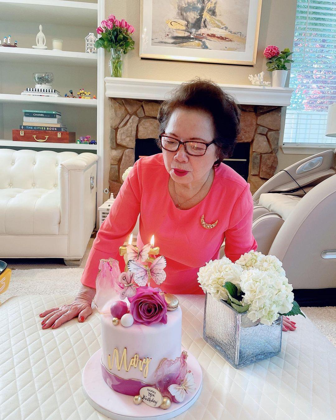 Phạm Hương lần đầu hé lộ chân dung mẹ chồng giàu có quyền lực, chỉ 1 khoảnh khắc là biết yêu chiều cháu nội cỡ nào - Ảnh 3.