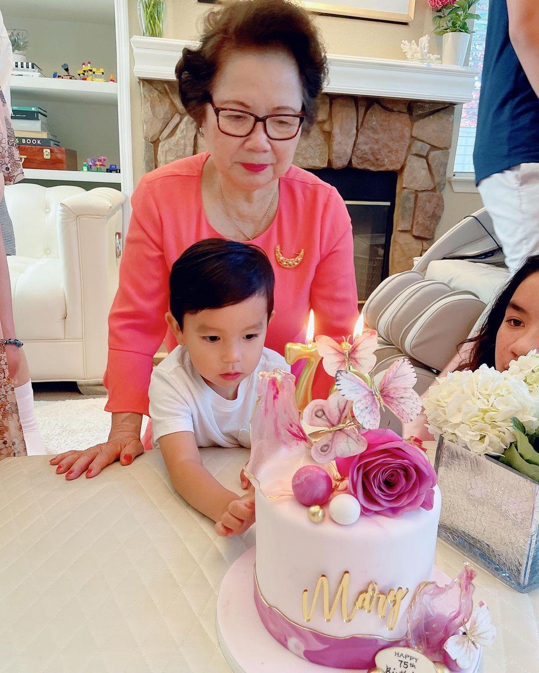 Phạm Hương lần đầu hé lộ chân dung mẹ chồng giàu có quyền lực, chỉ 1 khoảnh khắc là biết yêu chiều cháu nội cỡ nào - Ảnh 2.